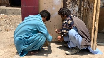 Iran expels drug addicts into Nimroz, burdening Afghans with the consequences